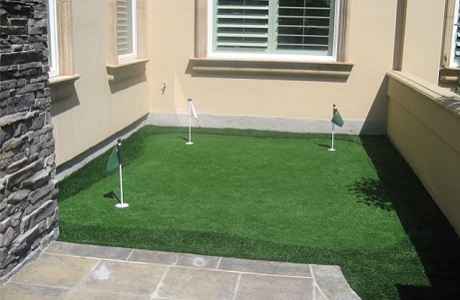 Synthetic Turf At Home Putting Green